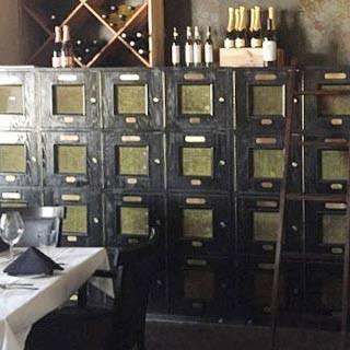Cabinet 9